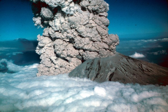 July 22, 1980, Mount Saint Helens. © USGS, Photo by Jim Vallance.